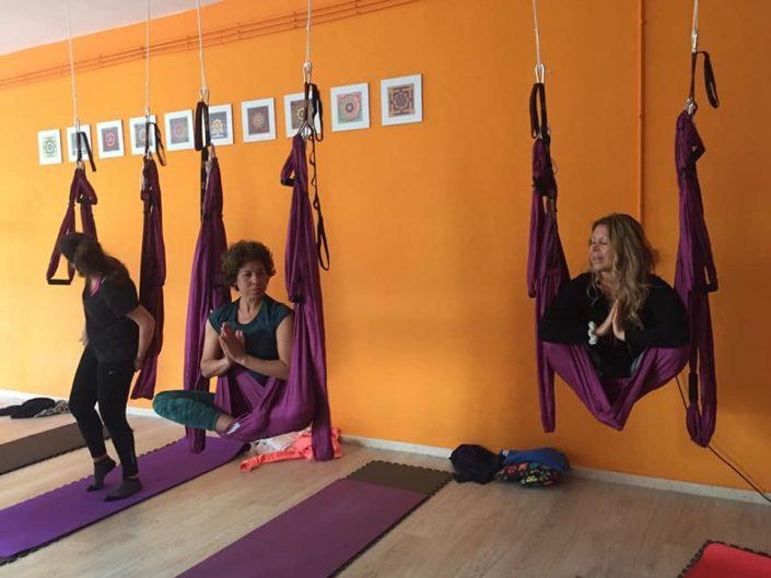 donde practicar yoga maniello en estepona
